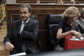 PSOE y PP pactan la reforma constitucional para delimitar el déficit