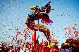 La comunidad china en España celebra este viernes la llegada del Nuevo Año, bajo el signo del Perro