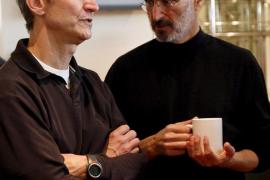 Steve Jobs deja su puesto al frente de Apple