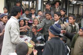 La OTAN mata por error a 27 civiles afganos, entre ellos mujeres y niños