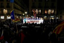 """La ANC y Òmnium urgen a JxCat y ERC a """"aparcar las diferencias"""" y sellar un pacto"""