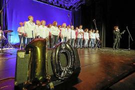 Can Ventosa se pone en pie en el aniversario de Canblaugospel