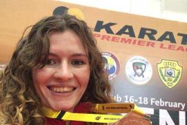 Cristina Ferrer se cuelga la medalla de bronce