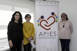 APIES entrega 3.000 euros a cuatro colegios de Ibiza para potenciar la inclusión educativa