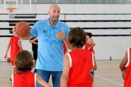 Jofresa, Esteller, Pozzeta y Kaiche jugarán un duelo amistoso en Ibiza