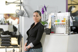 Una plaga de mosquitos invade una peluquería de es Pratet desde hace 4 meses