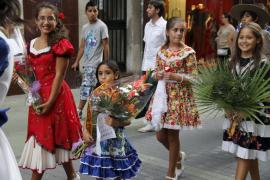 PALMA DISCRETO OFRENDA FLORAL VIRGEN DE LA SALUD FOTOS TERESA AYUGA