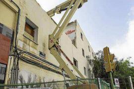 Empieza a caer la fachada de las viviendas de Santa Margarita
