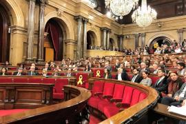 El Parlament reivindica la figura de Puigdemont y avala el 1-0