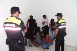 La Policía de Sant Antoni denuncia a 12 mujeres por ejercer la prostitución