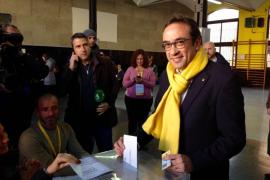 Rull asegura que Puigdemont y Comín no renunciarán a su escaño en el Parlament