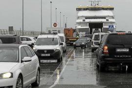 Los formenterenses, a favor de poner freno al tráfico aunque creen que la limitación afectará al turismo