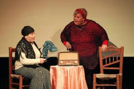 El teatro documental amateur llega a Can Jeroni durante el Día de la Mujer