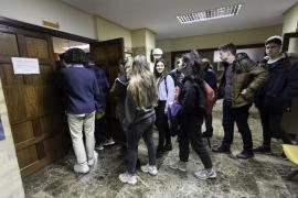 Una treintena de alumnos de sa Real, testigos de varias vistas en los juzgados de Ibiza