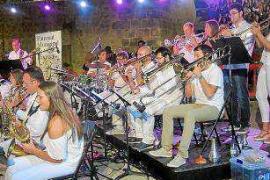 La Big Band Ciudad de Ibiza llenará de música el Mercat Vell este domingo