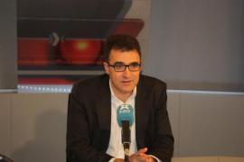 Un diputado de ERC pide perdón por haber apostado por elegir como consellera de Enseñanza «a la que tenga las tetas más gordas»