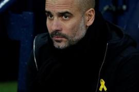 Pep Guardiola, multado con 22.500 euros por llevar el lazo amarillo