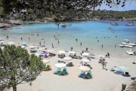 Sant Joan prepara un reglamento para prohibir definitivamente los beach clubs y discotecas