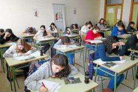 Una treintena de estudiantes participan en el certamen literario de Cola Cola