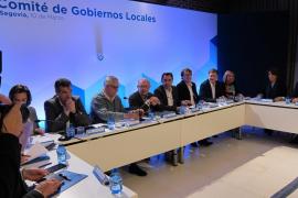 Cristóbal Montoro: los ayuntamientos podrán destinar su superávit a «políticas sociales»