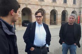 """El PSC acusa a Puigdemont y Comín del """"bloqueo"""" por no renunciar a su escaño"""