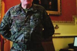Juan Cifuentes: «El Ejército profesional debe acercarse más a los ciudadanos»