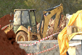 Herido grave un trabajador de 31 años que sufrió una caída en una obra en Sant Carles