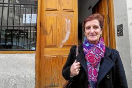 Una usuaria del servicio de acogida critica el trato recibido durante su estancia en un piso social