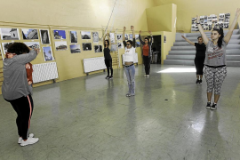 La salud y el arte se dan cita en las jornadas anuales de la escuela de adultos