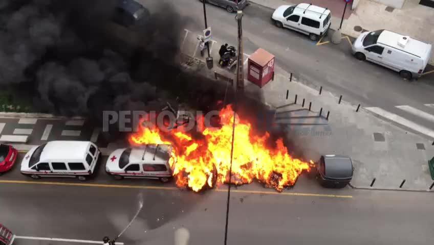 Virulento incendio en el centro de Vila