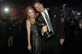 """Actress Bowen and executive producer Levitan of """"Modern Family"""" pose at the Governors Ball after the 63rd Primetime Emmy Awards"""