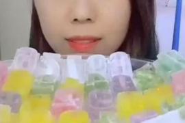 La última tendencia en China: comer hielo y subirlo a la red