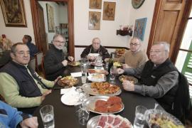 El obispo firma la paz en Can Gazà