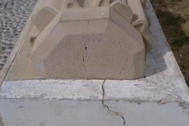 EPIC denuncia el mal estado de la estatua de Guillem de Montgrí