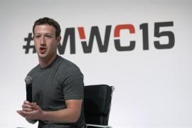 Zuckerberg reconoce el mal manejo de los datos de los usuarios de Facebook y promete más restricciones