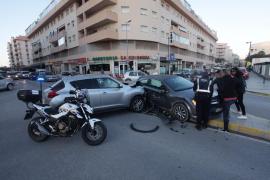 Aparatoso accidente en el barrio de sa Colomina de Vila