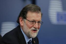 Rajoy cancela su viaje a Angola y podrá seguir desde España la evolución de la situación en Cataluña