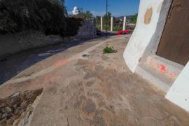 Pintadas vandálicas en el molí des Porxet de Ibiza