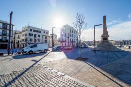 Vila abre la puerta a los taxis en el interior del puerto y acepta instalar una parada
