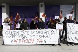 Los trabajadores de la limpieza de Sant Antoni avisan de que seguirán con su calendario de movilizaciones