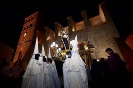 La cofradía Nuestra Señora de los Dolores da comienzo a la Semana de Pasión en Vila