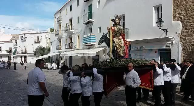 Fervor y respeto por el Domingo de Ramos