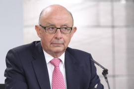 El Gobierno aprueba los PGE de 2018, con rebajas fiscales y subidas a pensionistas y funcionarios