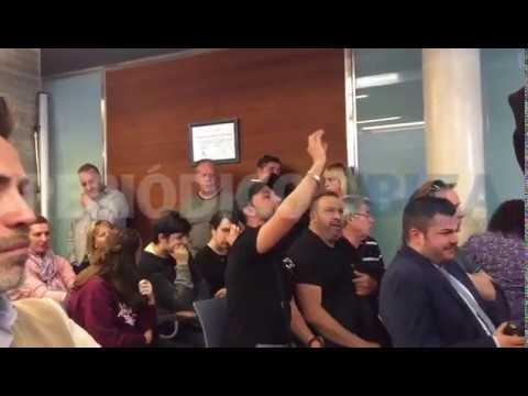 Tensión e insultos en el pleno de Sant Antoni por la reducción de horarios en el West