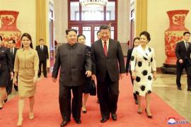 Kim se compromete a desnuclearizar la península de Corea durante su reunión con Xi en Pekín