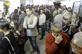 Sant Antoni aprueba la limitación de horarios en el West End entre gritos de «sinvergüenzas»