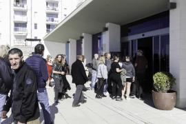 Imágenes del pleno de Sant Antoni que aprobó la limitación de horarios en el West End