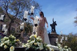 Emotiva procesión del Santo Encuentro en Vila