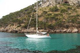 Encuentran restos de velas cerca del Cap de Formentor que podrían ser del velero desaparecido