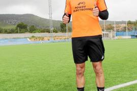 Edu Oriol, jugador de la UD Ibiza: «Quiero mostrar mi fútbol en el Ibiza»